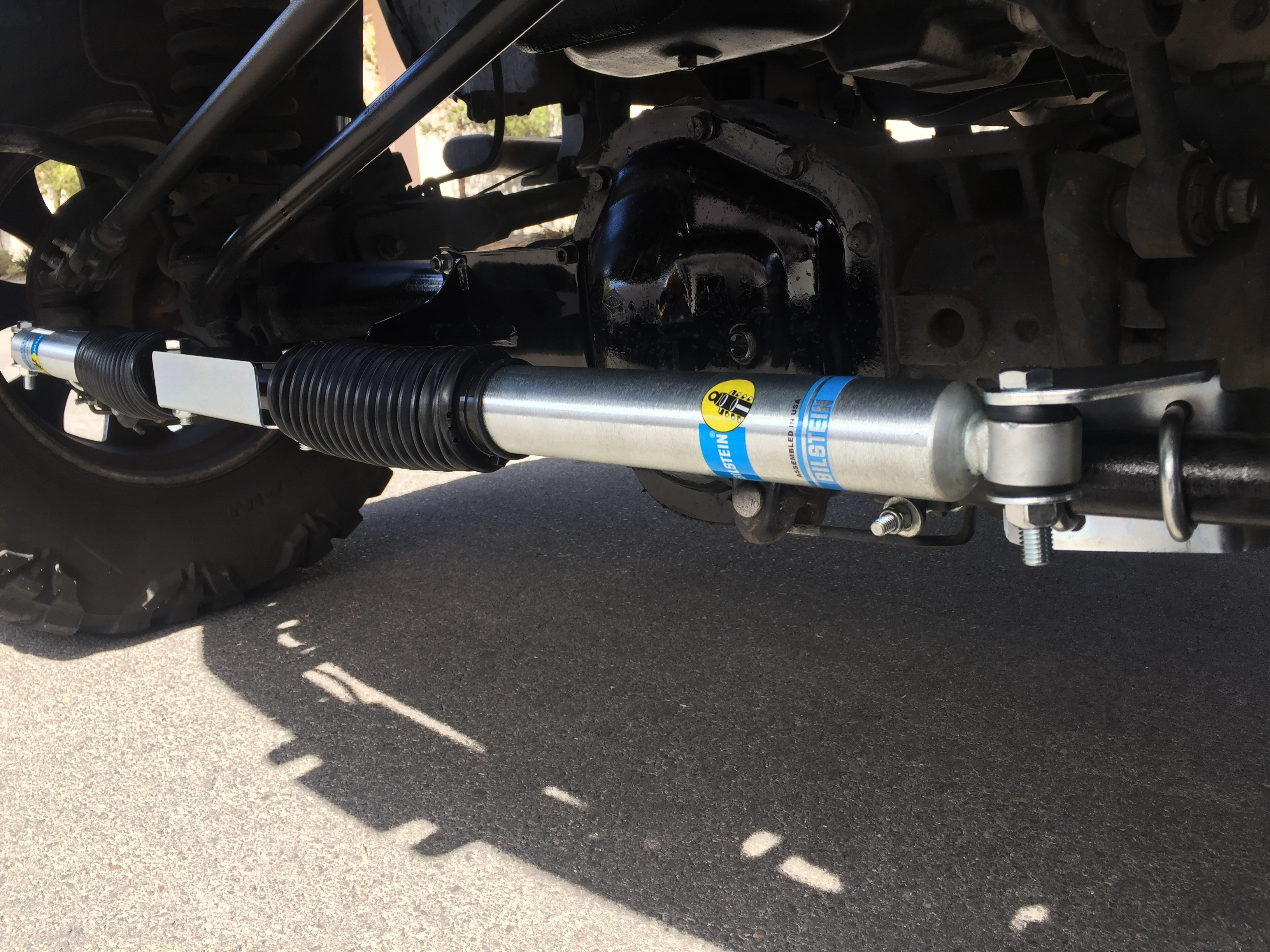 Dual Steering Stabilizer Kit with Fox 2.0 Shocks for 2005-2021 Ford F-250//F-350 Super Duty 4 Wheel Drive SUPERLIFT 92722